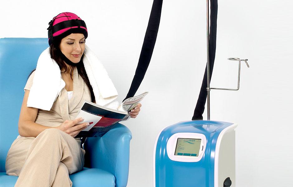 """Chemioterapia: una """"cuffia refrigerante"""" per impedire la caduta dei capelli"""